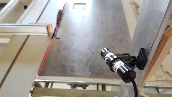Positionierlaser hedue PL2 mit roter Laserlinie