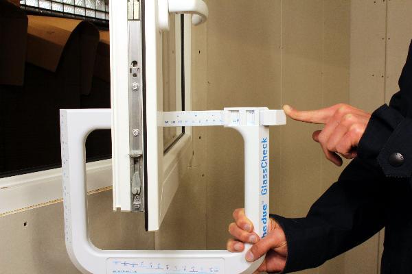 Instrumento de medición de vidrio hedue GlassCheck