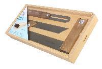 Juego de herramientas para carpinteros en caja de madera