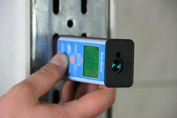 Distanziometro a laser hedue EM1